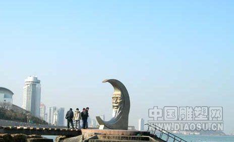 中国国画中的月亮