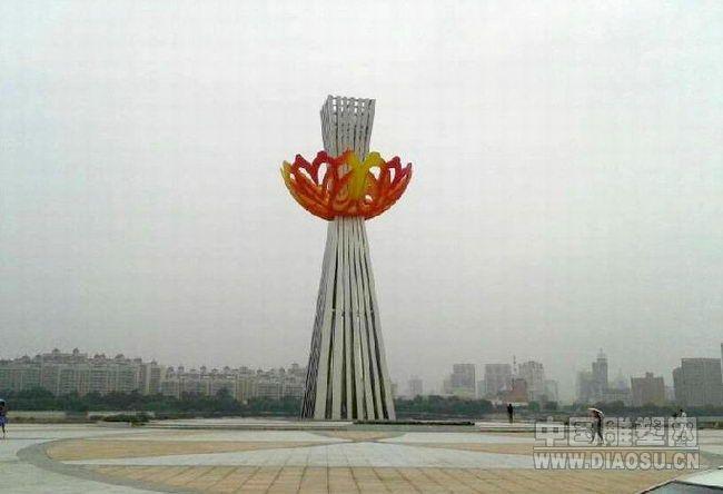 牡丹江新建牡丹广场雕塑盗用雕塑家设计方案